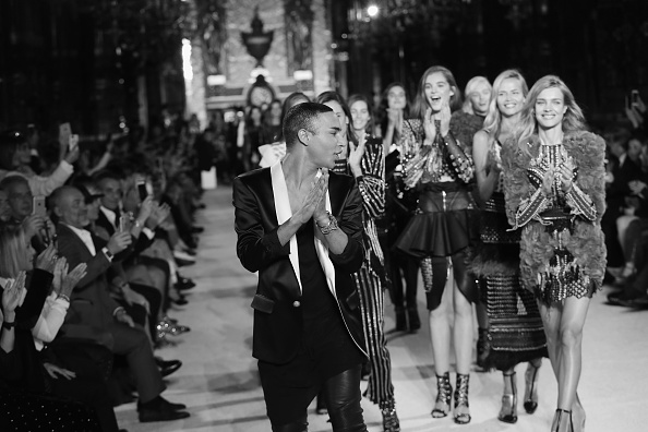 Olivier Rousteing - Fashion Designer「Balmain : Runway - Paris  Fashion Week Womenswear Spring/Summer 2018」:写真・画像(11)[壁紙.com]