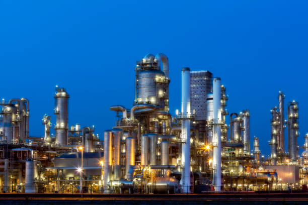 Petrochemical plant at twilight:スマホ壁紙(壁紙.com)