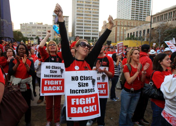 Instructor「LA Area Teachers March To Protest Budget Cuts」:写真・画像(8)[壁紙.com]