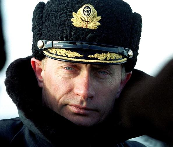 Practicing「Putin on Naval Grounds」:写真・画像(12)[壁紙.com]