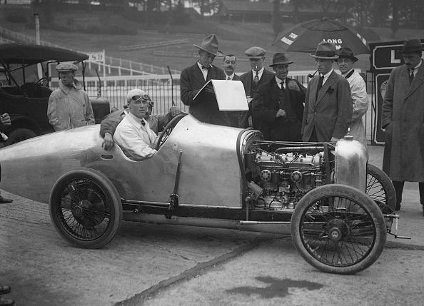 Race Car Driver「Henry Segrave in his Talbot-Darracq at the JCC 200 Mile Race, Brooklands, Surrey, 1921」:写真・画像(17)[壁紙.com]