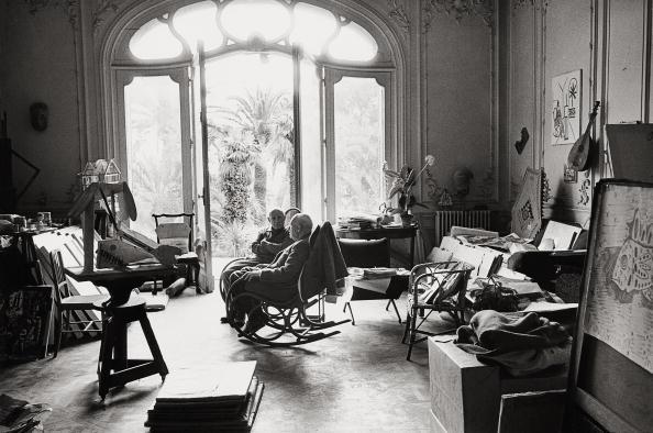 カンヌ「Picasso with Kahnweiler」:写真・画像(1)[壁紙.com]