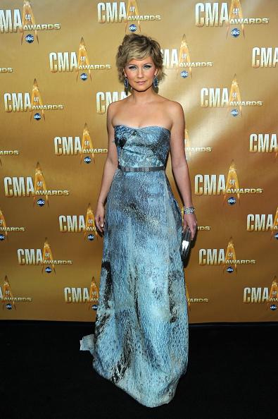 Strapless Dress「44th Annual CMA Awards - Arrivals」:写真・画像(7)[壁紙.com]