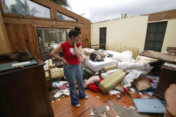 Bedroom「Hurricane Jeanne Strikes Florida Coast」:写真・画像(4)[壁紙.com]