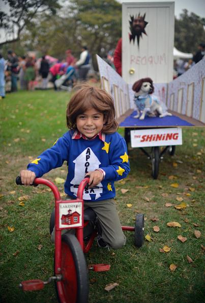 可愛らしい「Haute Dog Howl'oween Parade」:写真・画像(19)[壁紙.com]