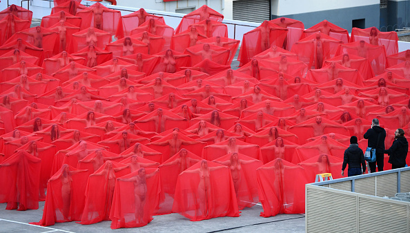 トップランキング「Spencer Tunick Creates Nude Art Installation In Melbourne」:写真・画像(7)[壁紙.com]