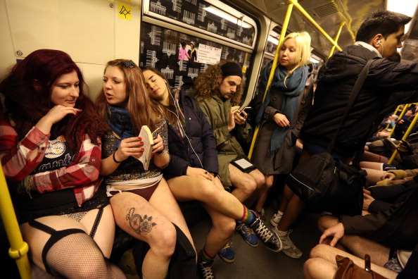 ベストショット「Pantless Sunday Call Draws Participants In Berlin」:写真・画像(12)[壁紙.com]