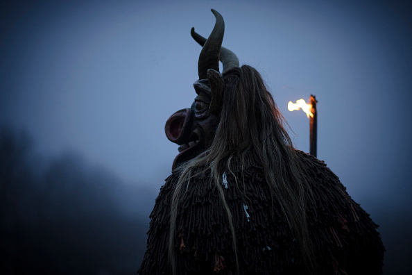 Philipp Guelland「Perchten Chase Away Evil Winter Ghosts」:写真・画像(2)[壁紙.com]