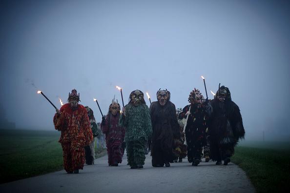 Tradition「Perchten Chase Away Evil Winter Ghosts」:写真・画像(18)[壁紙.com]