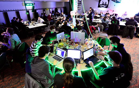 Wireless Technology「Computer Hackers Meet For Annual Congress」:写真・画像(18)[壁紙.com]