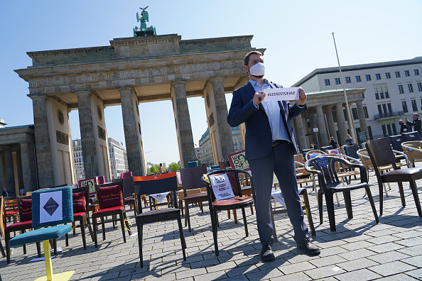 Bankruptcy「Restaurateurs Protest Lockdown During The Coronavirus Crisis」:写真・画像(18)[壁紙.com]