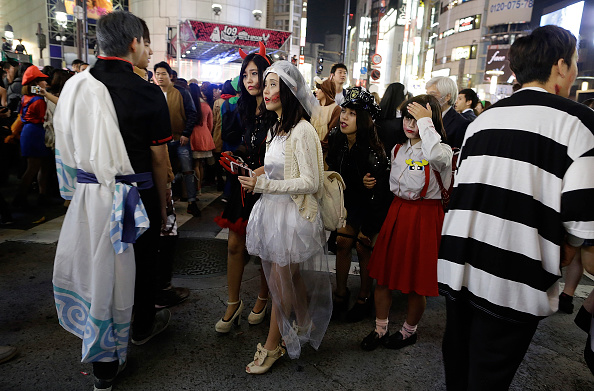 Yuya Shino「Tokyoites Dress Up For Halloween」:写真・画像(13)[壁紙.com]