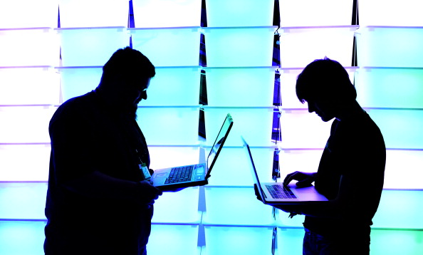 Laptop「Computer Hackers Meet For Annual Congress」:写真・画像(8)[壁紙.com]