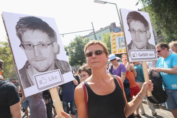 Strategy「Demonstrators Protest NSA Surveillance」:写真・画像(18)[壁紙.com]
