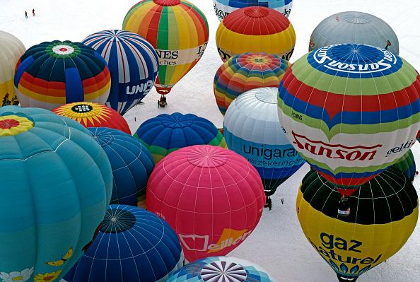 Hot Air Balloon「Chateau d'Oex Balloon Festival」:写真・画像(9)[壁紙.com]