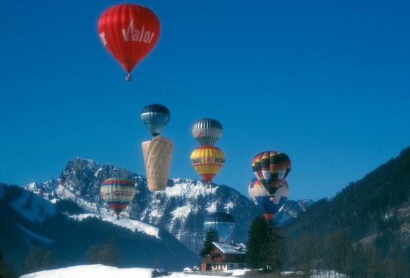 Vaud Canton「Chateau d'Oex Balloon Festival」:写真・画像(15)[壁紙.com]