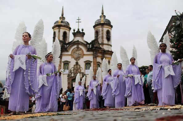 イースター「Ouro Preto Hosts Traditional Semana Santa Rituals」:写真・画像(14)[壁紙.com]
