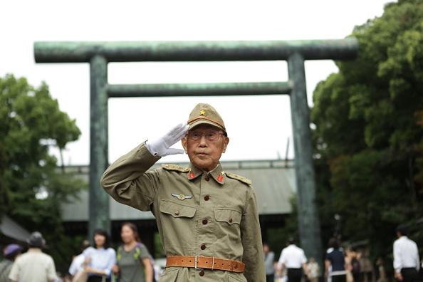 東京「Japan Marks 72nd Anniversary Of WWII Surrender」:写真・画像(0)[壁紙.com]