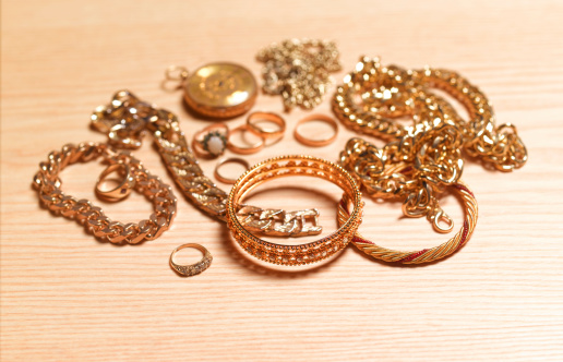 Pocket Watch「Gold jewellery for recycling」:スマホ壁紙(17)