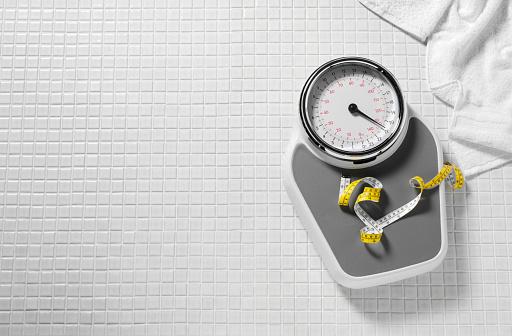 Dieting「Bathroom Scales and Tape Measure」:スマホ壁紙(8)