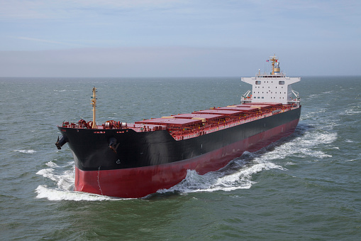 Aboard「Container ship sailing on calm sea」:スマホ壁紙(12)