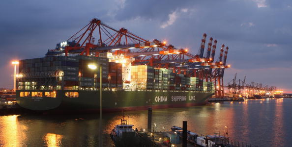 Pier「Northern Germany Is Hub Of International Shipping」:写真・画像(5)[壁紙.com]