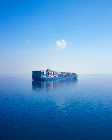 Freight Transportation「Container Ship, Suez Canal, Egypt」:スマホ壁紙(9)