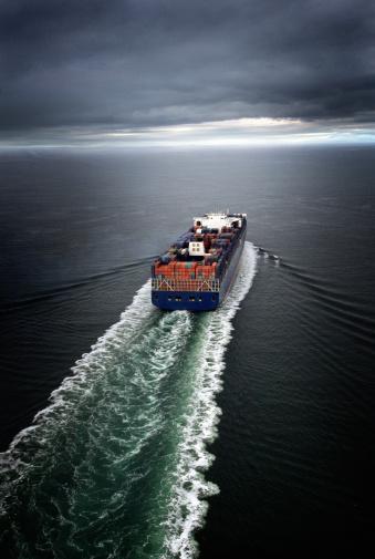 Overcast「Container ship」:スマホ壁紙(11)