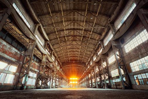 Industry「window in the light」:スマホ壁紙(11)