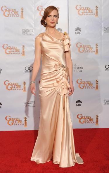 Ruched「67th Annual Golden Globe Awards - Press Room」:写真・画像(6)[壁紙.com]