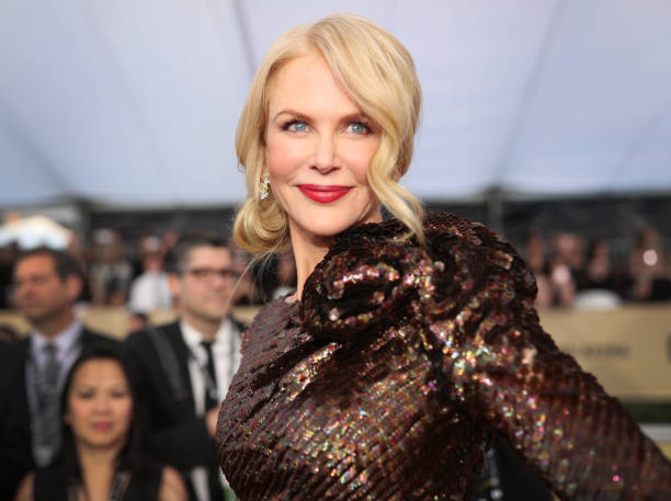 ニコール・キッドマン「24th Annual Screen Actors Guild Awards - Red Carpet」:写真・画像(2)[壁紙.com]