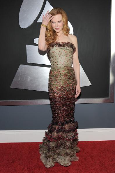 Mermaid Dress「The 53rd Annual GRAMMY Awards - Red Carpet」:写真・画像(3)[壁紙.com]