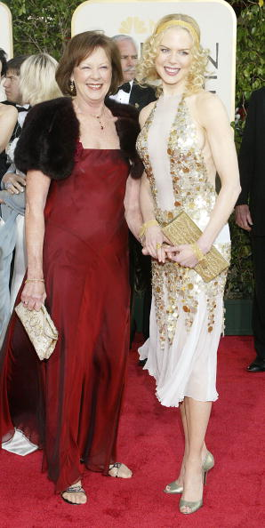 Mother「61st Annual Golden Globe Awards - Arrivals」:写真・画像(11)[壁紙.com]