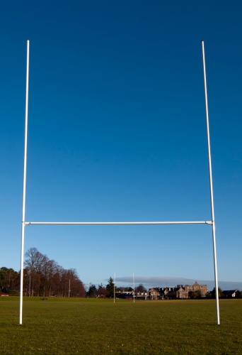 Wooden Post「Rugby Goal Posts」:スマホ壁紙(9)