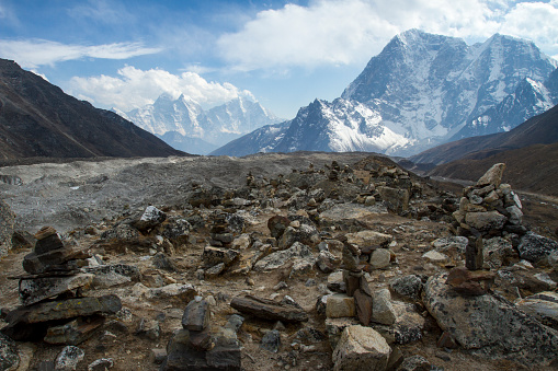 Khumbu Glacier「Rock Cairns at Khumbu Glacier」:スマホ壁紙(13)