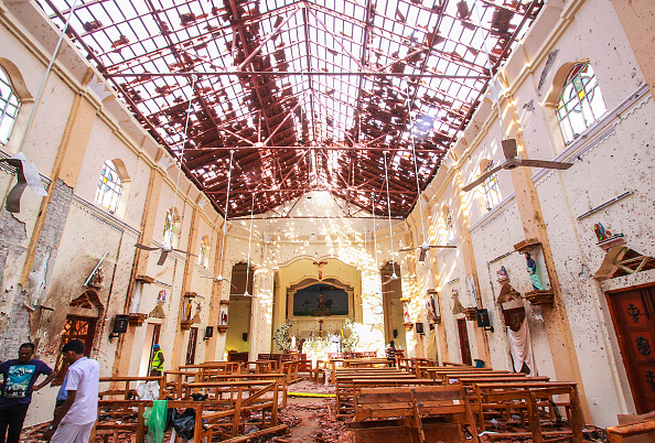 Exploding「Multiple Explosions Hit Sri Lanka On Easter Sunday」:写真・画像(5)[壁紙.com]