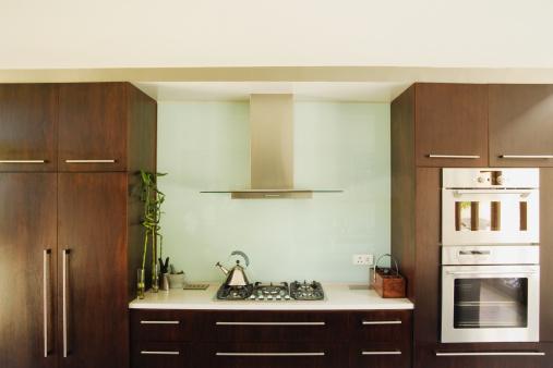 正面から見た図「インテリアのモダンなキッチン」:スマホ壁紙(12)