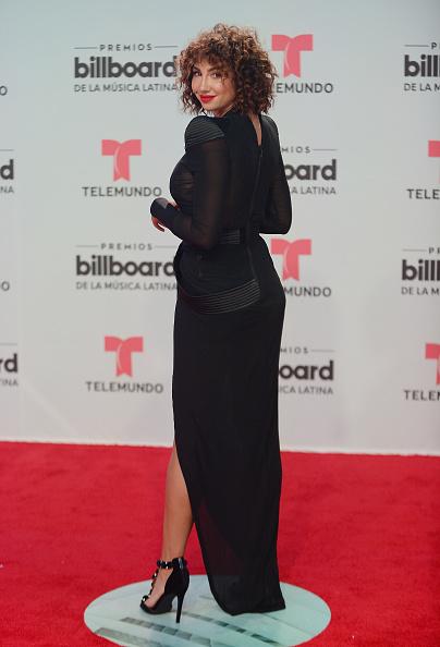Curly Hair「Billboard Latin Music Awards - Arrivals」:写真・画像(7)[壁紙.com]