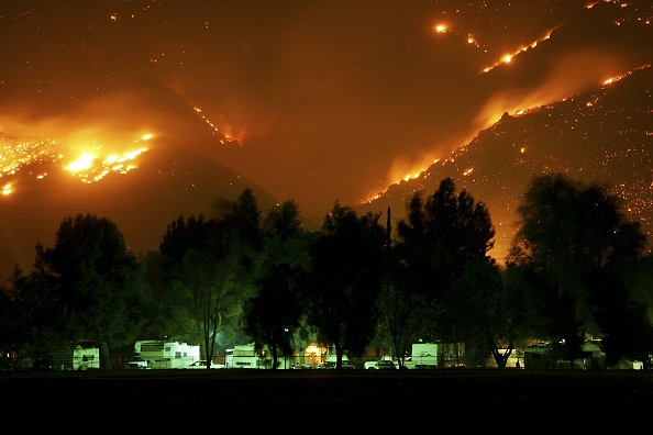 Dawn「Deadly Wildfire Rages In Desert Near Palm Springs」:写真・画像(19)[壁紙.com]
