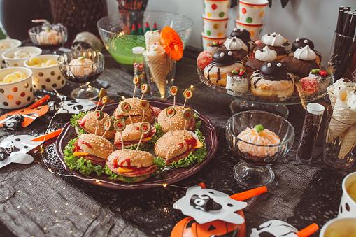 Halloween party「Halloween food table」:スマホ壁紙(17)