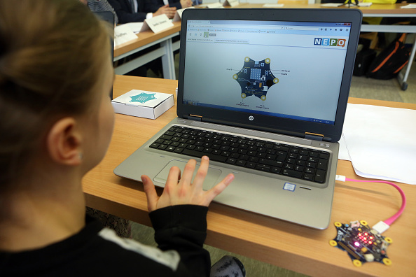 Adam Berry「Google Supports Mini Computers For Berlin Schools」:写真・画像(16)[壁紙.com]
