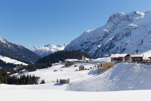 雪山「Austria, Vorarlberg, Bregenz Forest, Warth」:スマホ壁紙(2)