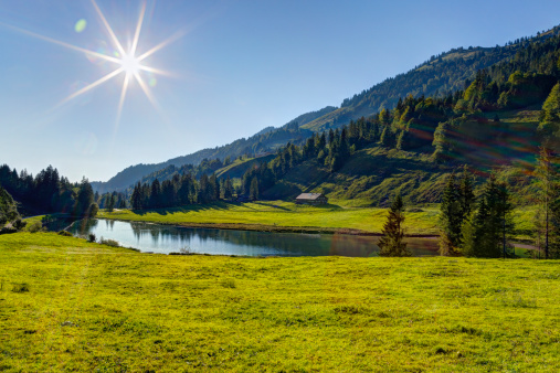 Agricultural Field「Austria, Vorarlberg, View of Lecknersee Lake in Lecknertal Valley」:スマホ壁紙(2)