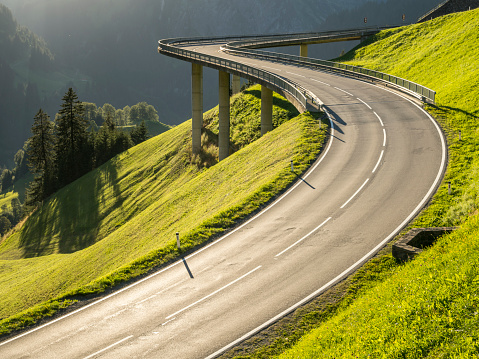 Mountain Road「Austria, Vorarlberg, Hochtannberg Mountain Pass」:スマホ壁紙(18)