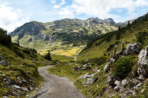 Lechtal Alps「Austria, Vorarlberg, Lechtal Alps, trail」:スマホ壁紙(3)