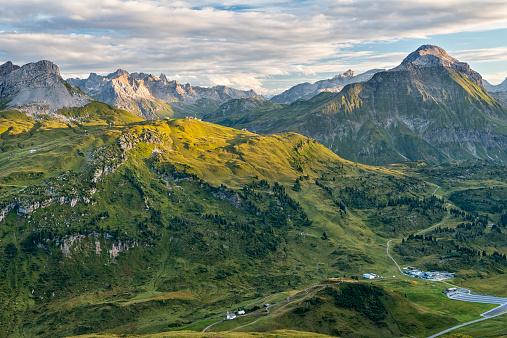 Lech Valley「Austria, Vorarlberg, Lechtal, alpine landscape」:スマホ壁紙(7)