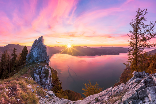 Panoramic「Colorful summer sunset with View To Lake Attersee from Schober- Sunset at Mount Schoberstein, Alps」:スマホ壁紙(7)