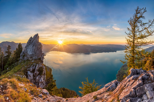 Salzkammergut「Colorful summer sunset with View To Lake Attersee from Schober- Sunset at Mount Schoberstein, Alps」:スマホ壁紙(10)