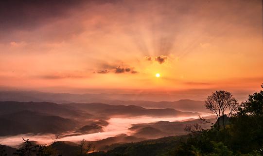 Sunset「Colorful sunset over river」:スマホ壁紙(13)