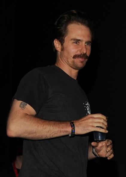 "Cowboys & Aliens「""Cowboys & Aliens"" Panel - Comic-Con 2010」:写真・画像(0)[壁紙.com]"